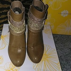 Yellow Box  Shiela Ankle boots